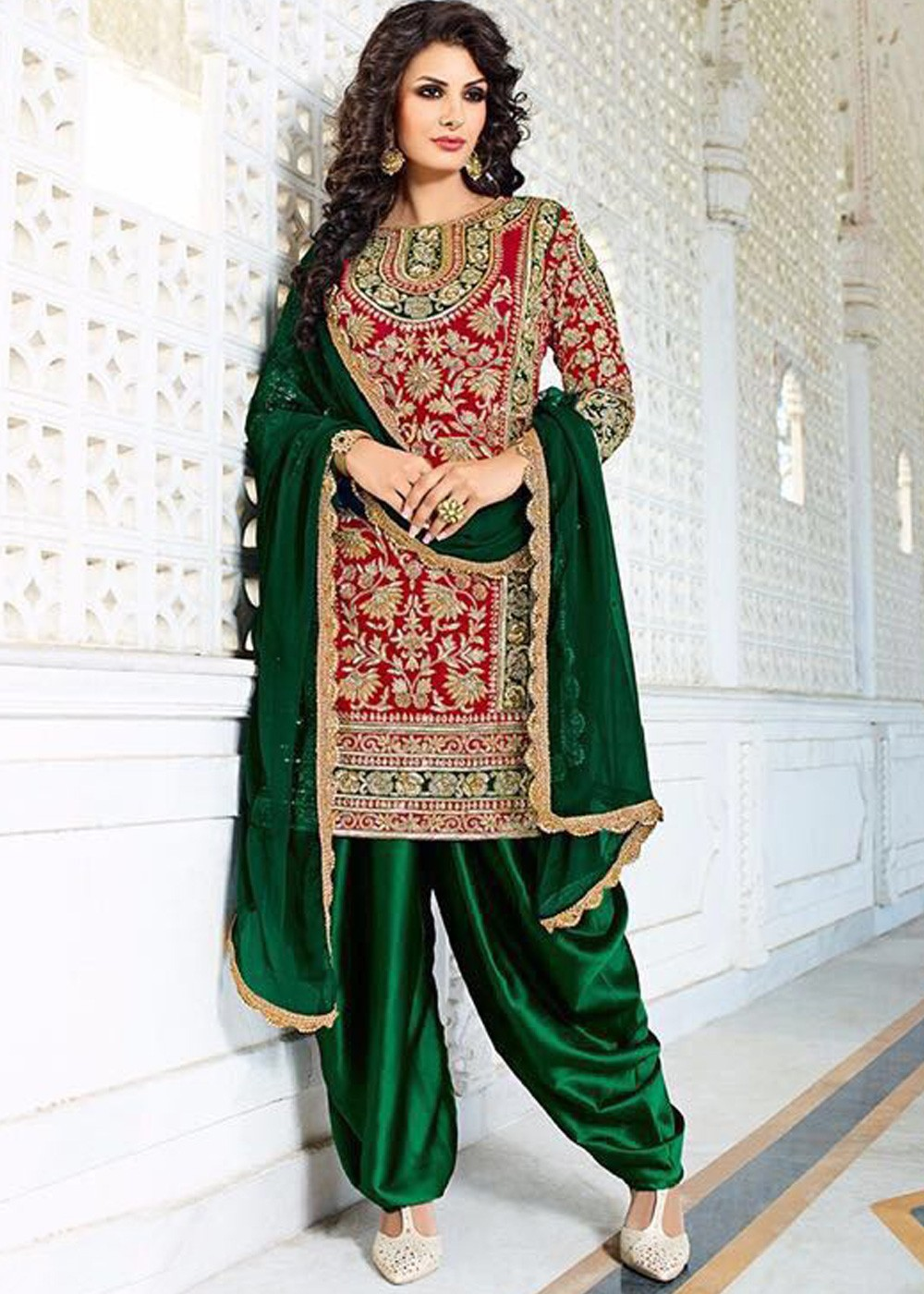 67a2b268af2 Bridal Salwar Kameez - Buy Red Patiyala Bridal Salwar Kameez Online UK ...