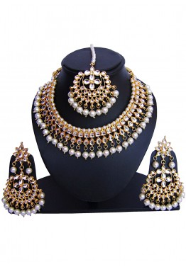 c706001b3 Indian Jewelry Sets: Buy White Golden Pearl And Kundan Bridal Necklace  Online